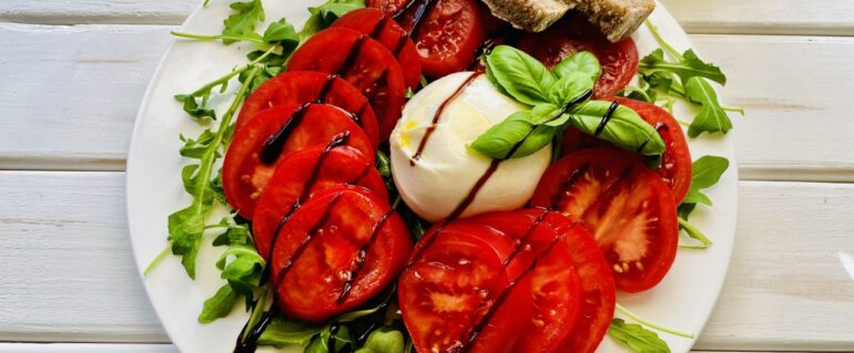 Buratta z pomidorami
