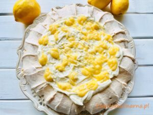 Beza z mascarpone i lemon curd
