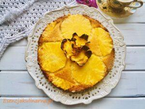Odwrócone ciasto ananasowe